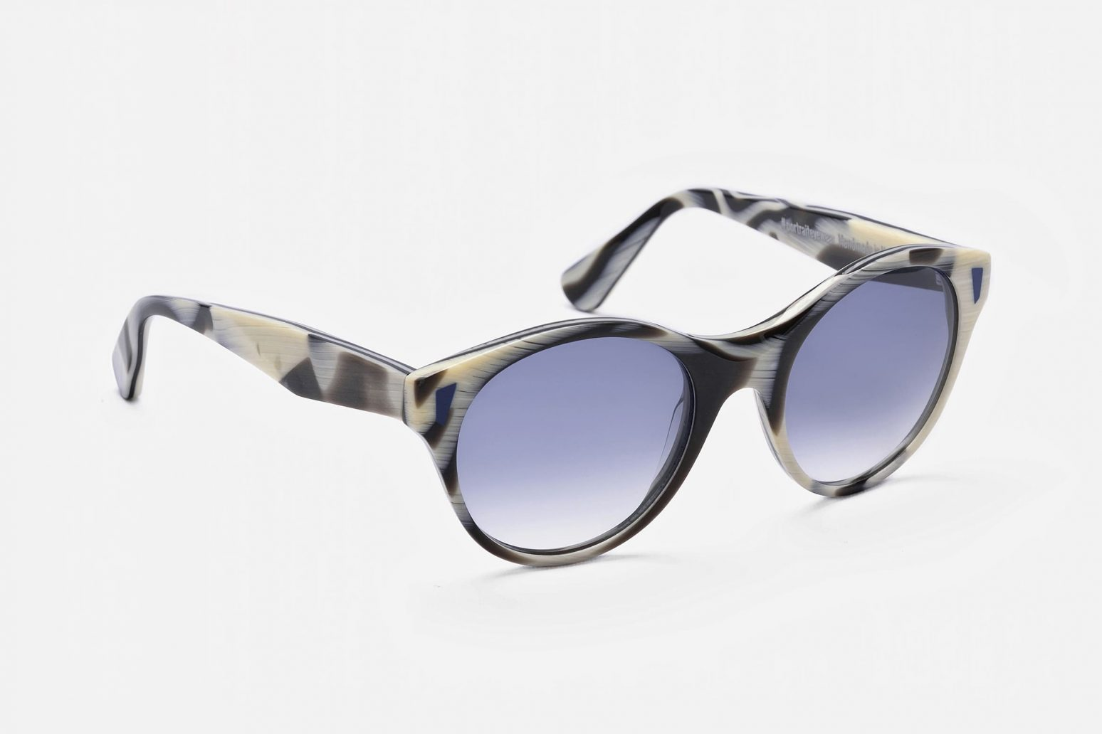Gafas con estilo de sol y graduado POTRAIT EYEWEAR-Óptica Gran Vía Barcelona