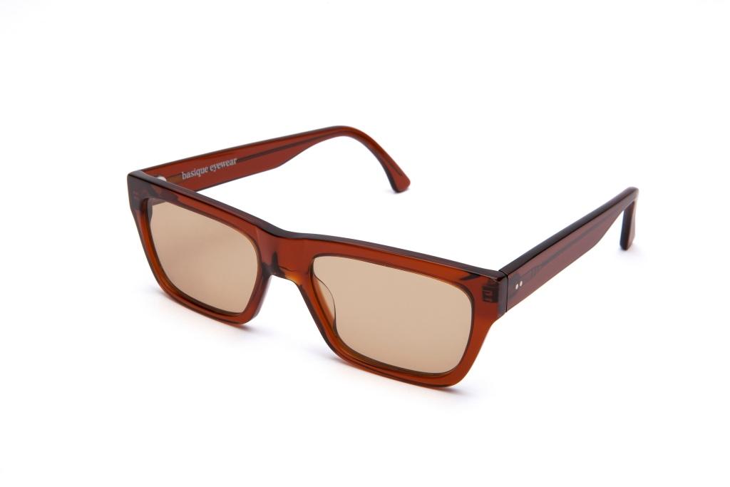 Gafas de sol de colores 6/18 by basique eyewear -Óptica Gran Vía Barcelona
