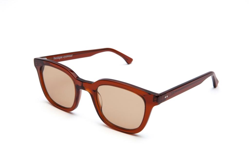 Gafas de sol de colores 5/18 by basique eyewear-Óptica Gran Vía Barcelona