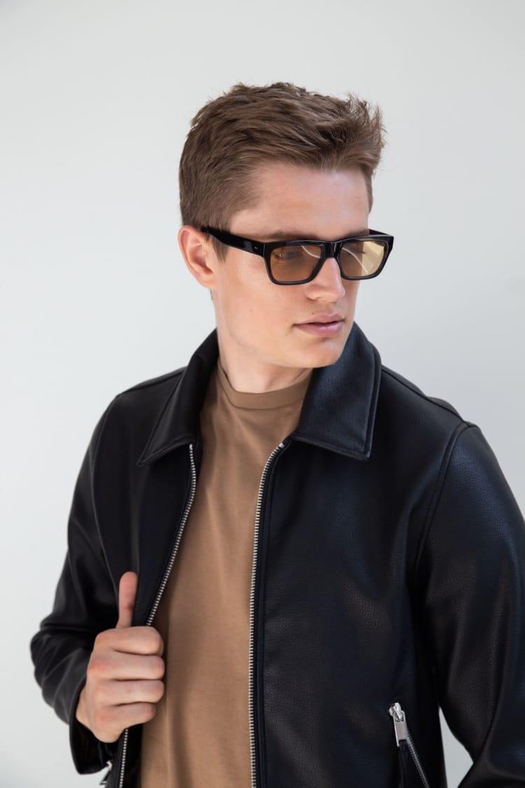 Gafas de sol de colores 3/18 by basique eyewear-Óptica Gran Vía Barcelona