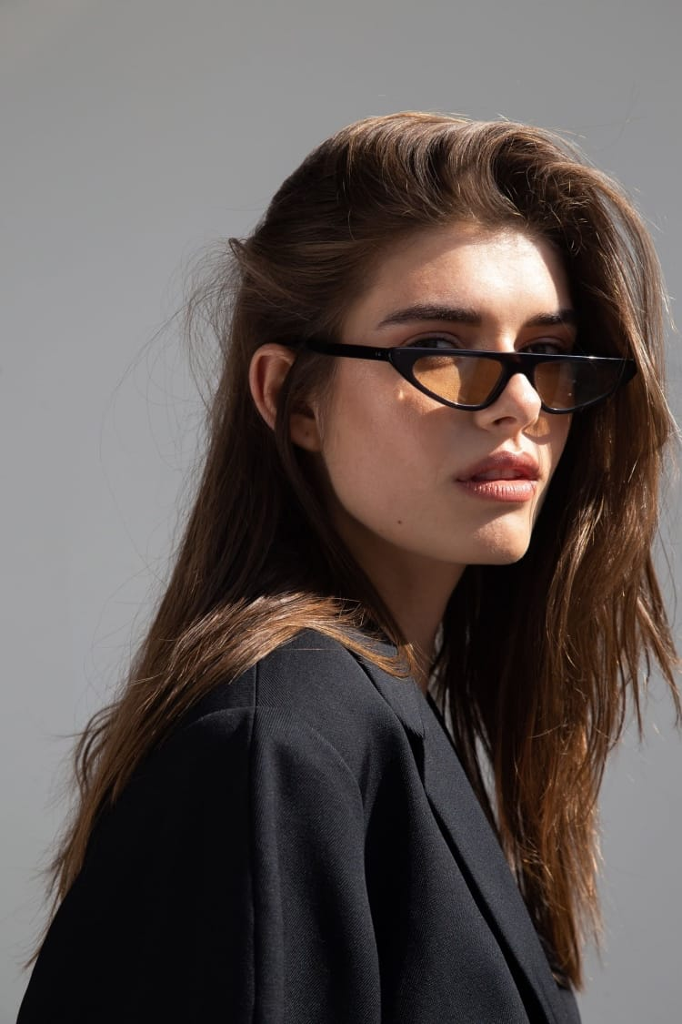 Gafas de sol de colores 7/18 by basique eyewear-Óptica Gran Vía Barcelona